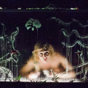 【每日藝聞】楊‧法布爾/信念創作體《死亡練習曲》挑戰身體可塑性 歌頌身體與生存慾望的獨特美學作品